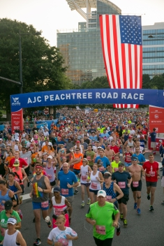 The BibRave 100 #1 10K 2018 – AJC Peachtree Road Race